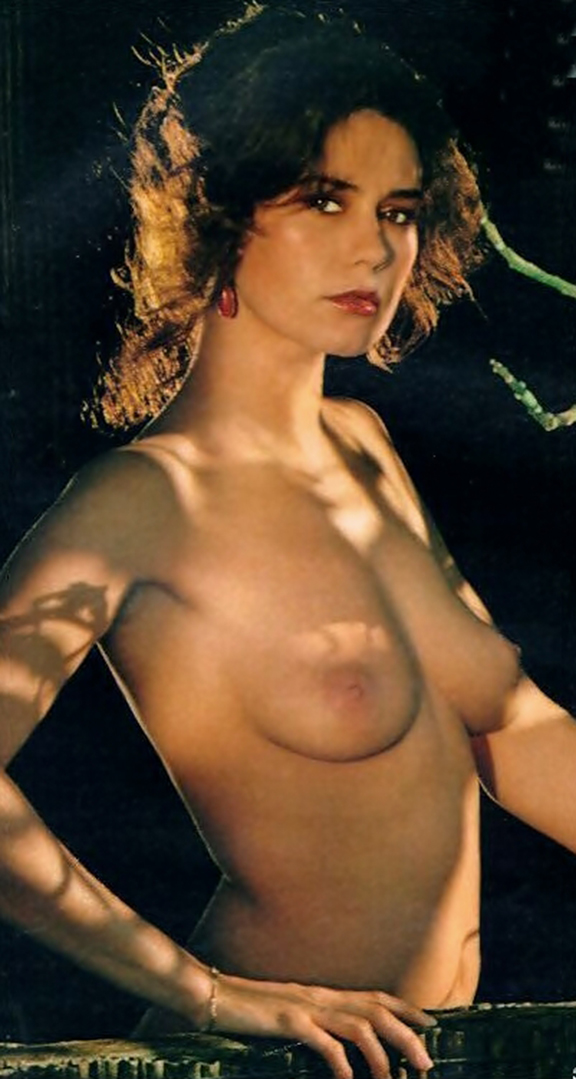 lois chiles nackt