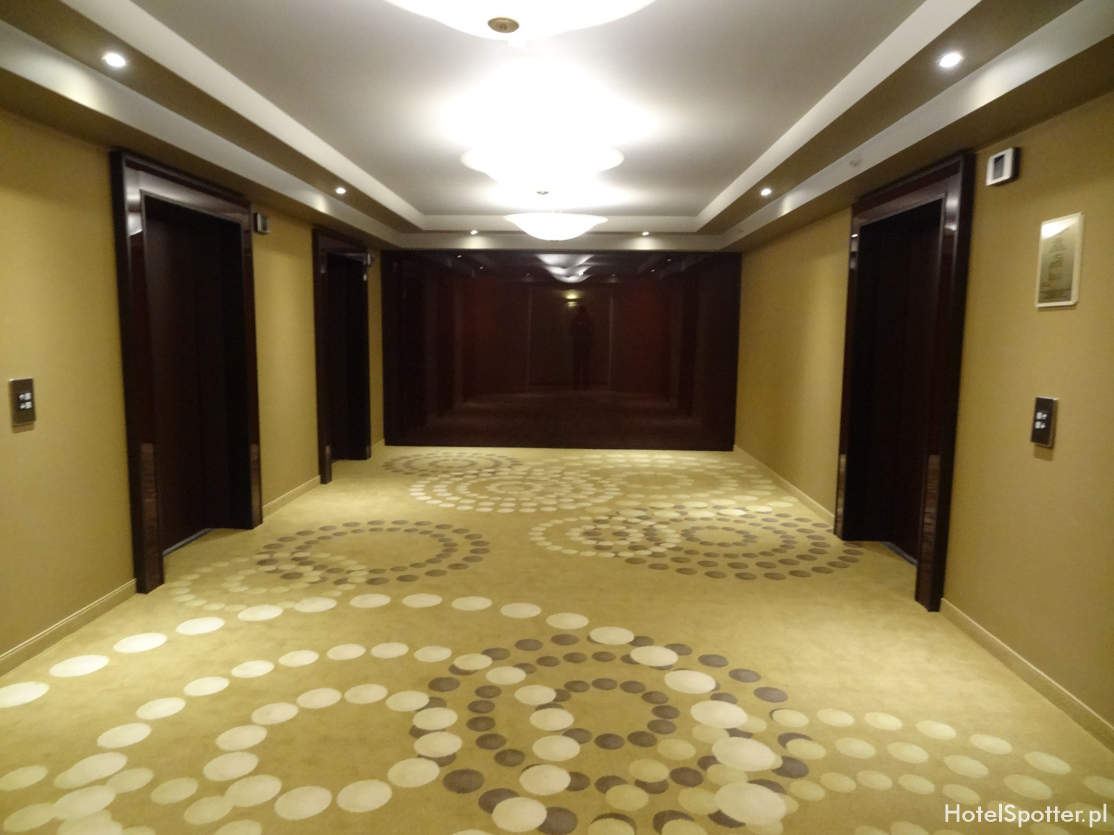 Hotel Marriott Warszawa - odnowiony korytarz