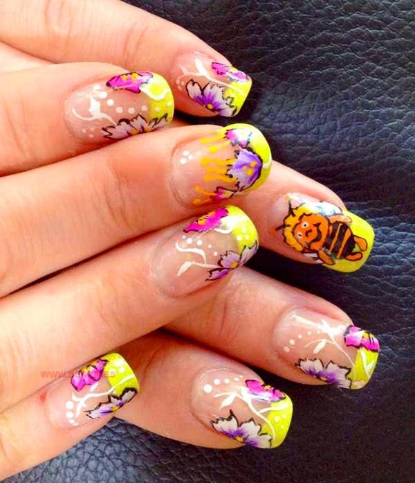 uñas pintadas con dibujos animados abeja Maya