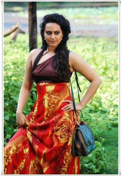 sonakshi sinha in sri lanka glamour  images