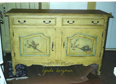 hand painted country French distressed bench diy makeover