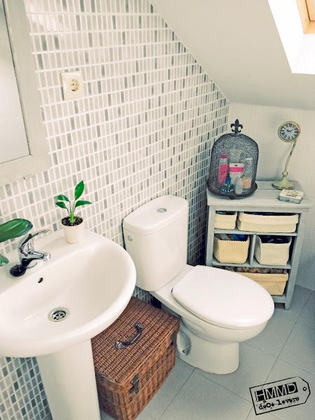 Decorar Baño Antiguo:Armario de baño con encanto / Charming bathroom cabinet Decoración