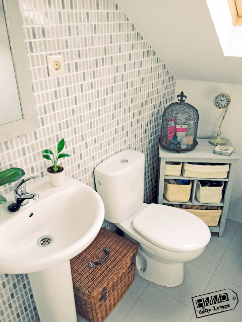 Armario de baño vintage decapado gris y blanco, vintage cabinet bathroom stripping grey and white HMMD handmademaniadecor