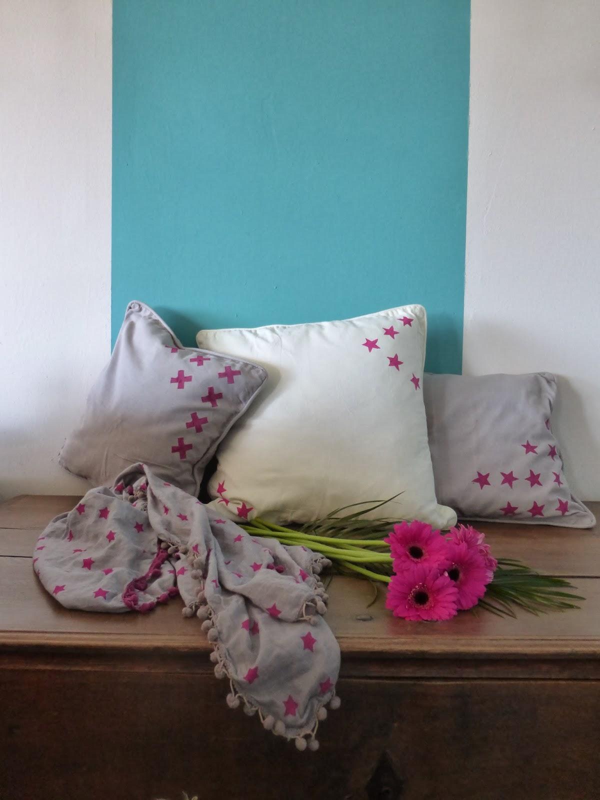 DIY Kartoffeldruck Stempel Kissen Stern grau pink