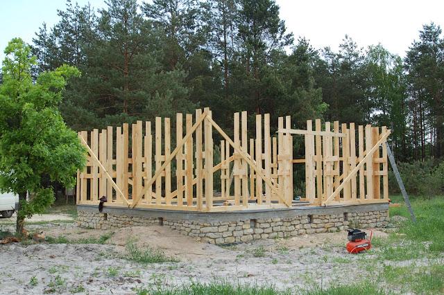 Drewniana-konstrukcja-domu