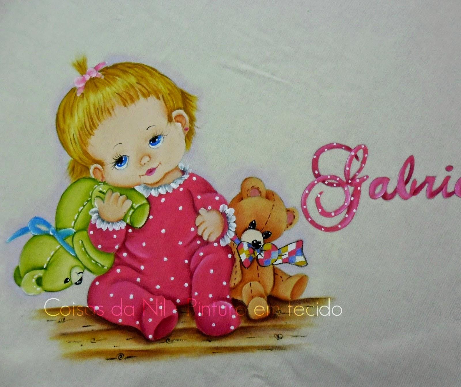 manta com pintura de menininha e ursos de pelucia