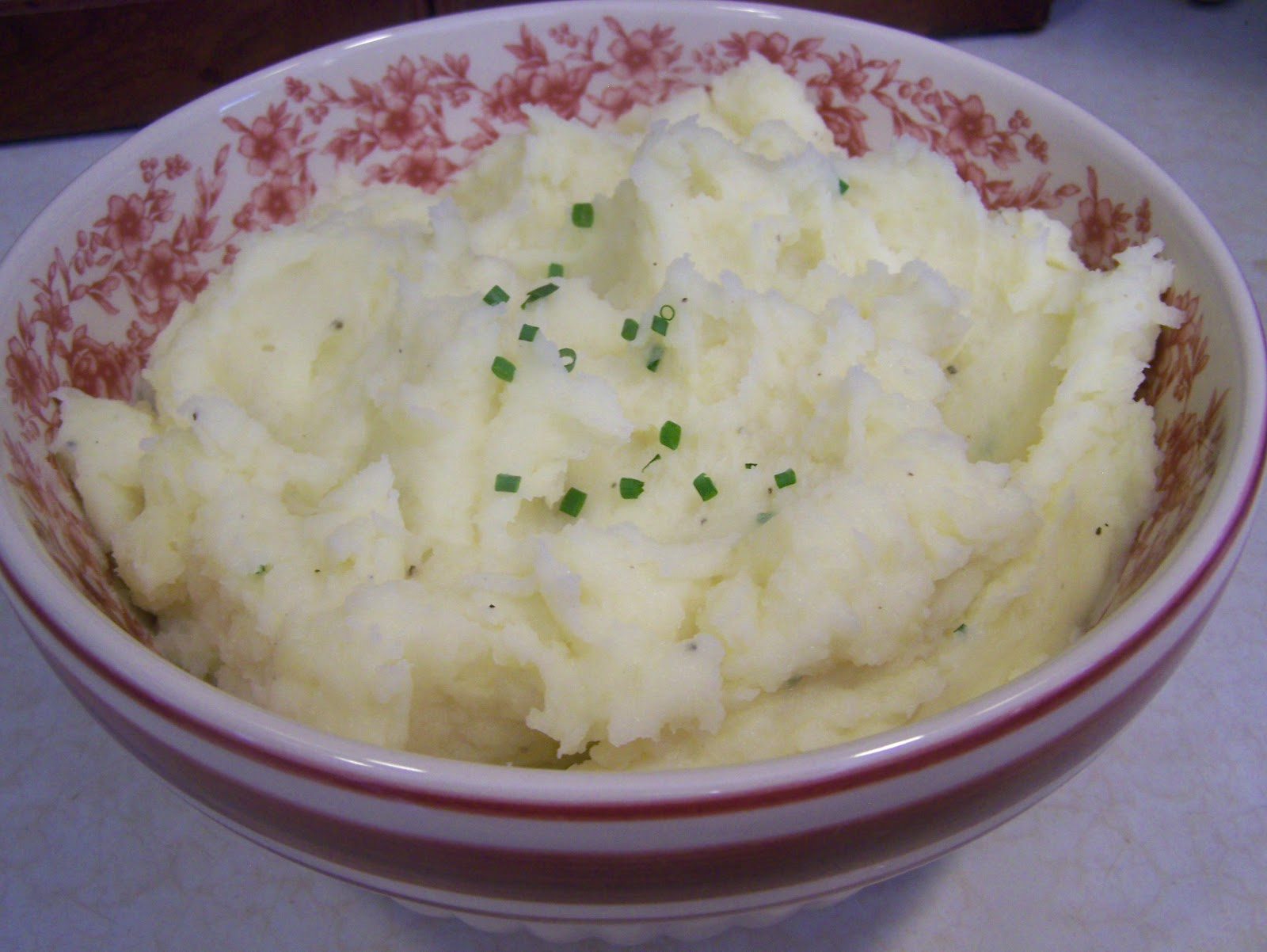Creamy Garlic And Chive Mashed Potatoes