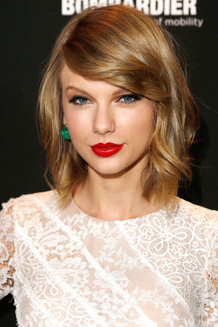Taylor-Swift-Red-Lip
