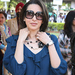 Karishma Kapoor Looks Absolutely Stunning In Blue Top and  Black Skirt At The JEPL Race In Mumbai