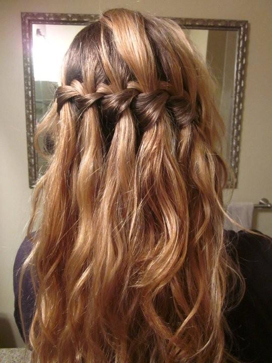 Прическа с длинными волосами и челкой своими