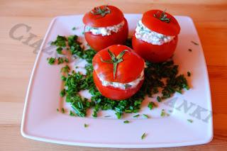 Pomidory nadziewane biały serem