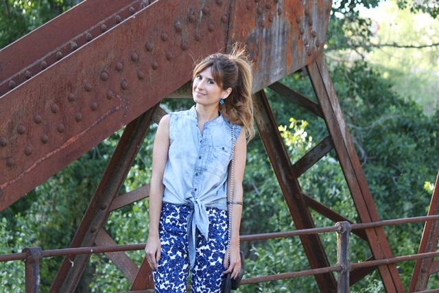 camisa_vaquera-denim_blouse-pantalon_estampado-coleta_alta-a_trendy_life-zalando