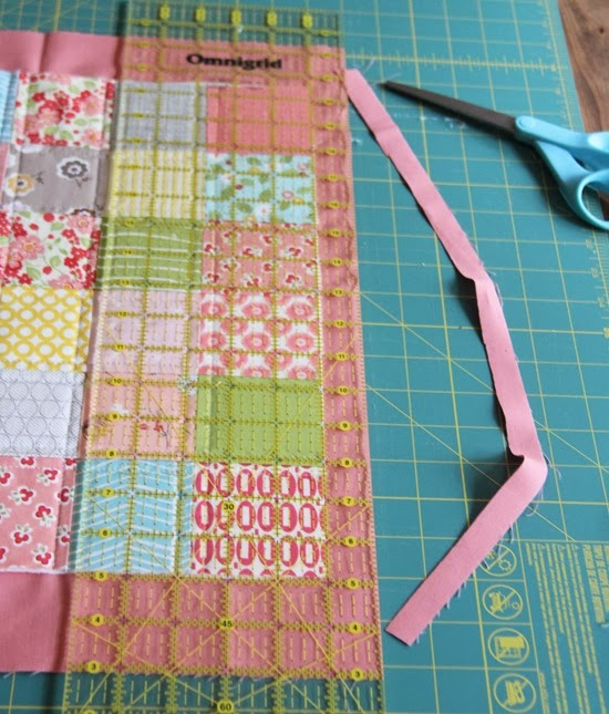 Binding a quilt with the quilt back | Cluck Cluck Sew : easiest way to bind a quilt - Adamdwight.com