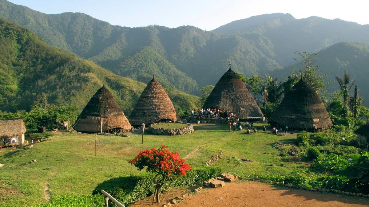 Gambar Mbaru Niang, Rumah Adat Wae Rebo, Flores