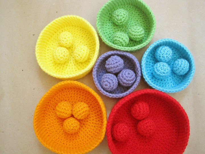Seriously Daisies Crochet Pattern Rainbow Nesting Bowls
