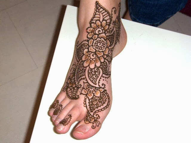 beautiful latest simple arabic pakistani indian bridal girl mehndi designs teenage girl 39 s feet. Black Bedroom Furniture Sets. Home Design Ideas
