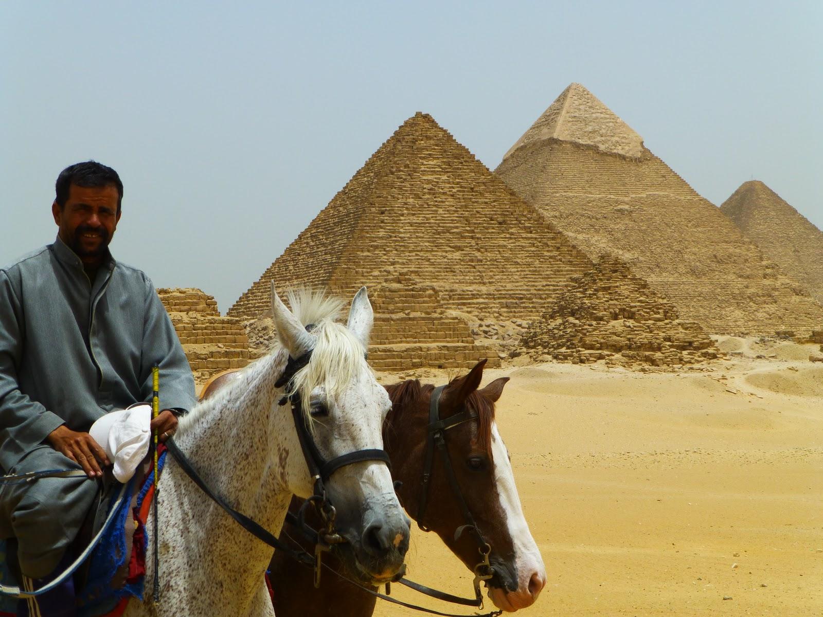 رحلة للرومانسية في الصحراي لركوب الخيل في الهرم