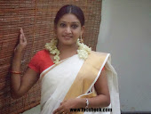 Malayali Beautiful womens wearing kerala traditional set saree