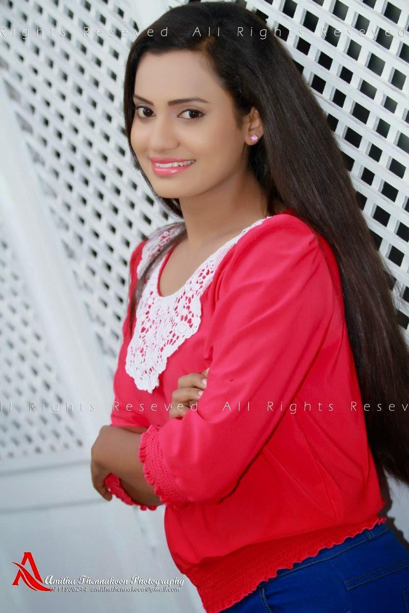 Chethana Ranasinghe hot