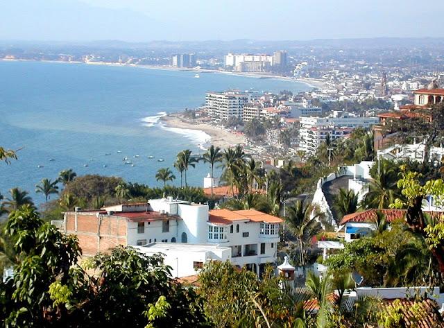 En Puerto Vallarta te espera playa y montaña
