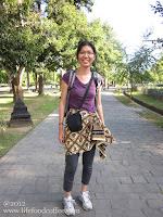 Me in sarong, walking to Borobudur