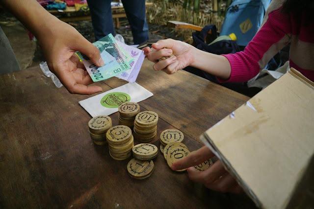 Mata uang pring alat tukar Pasar Papringan