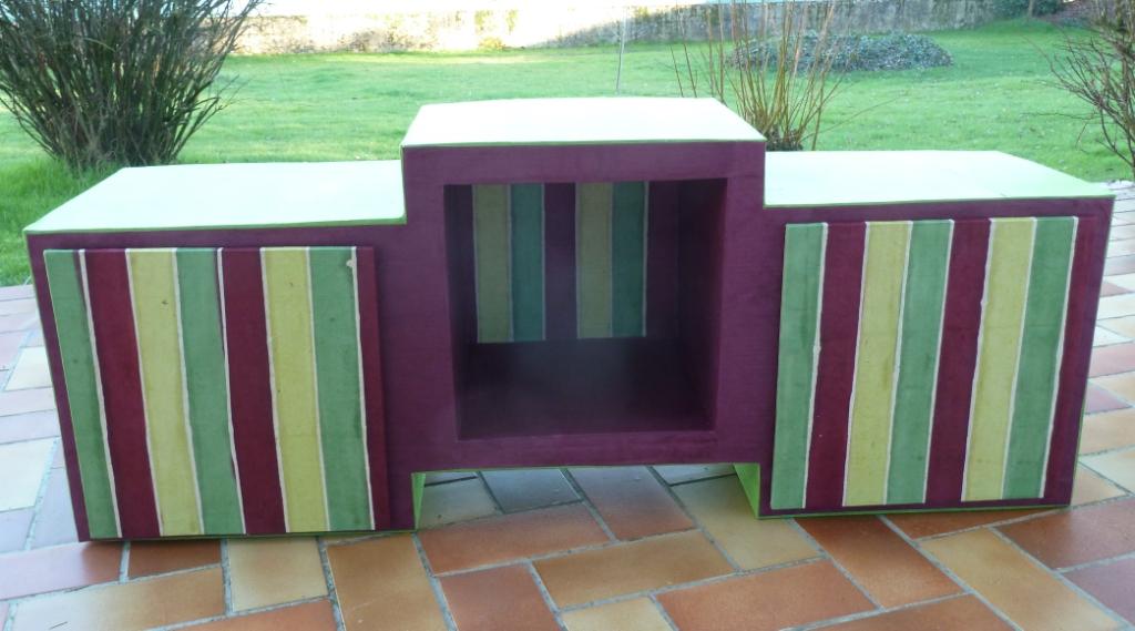 voyages nature et bricolages meuble en carton. Black Bedroom Furniture Sets. Home Design Ideas
