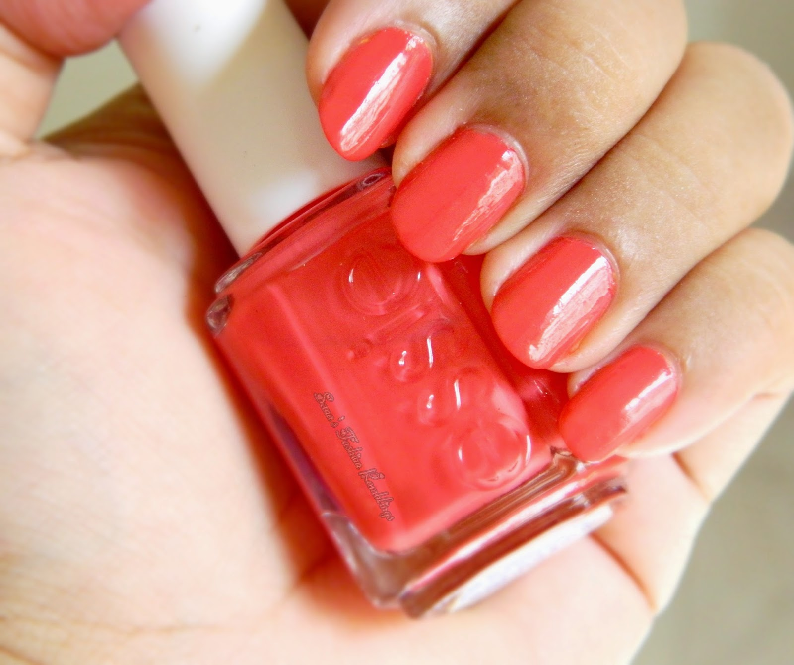 Essie Nail Polish in Coral Reef [NOTD] | Sana\'s Ramblings