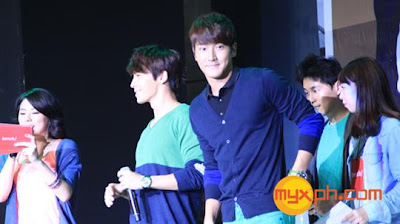 Siwon and Donghae at Trinoma Bench Event