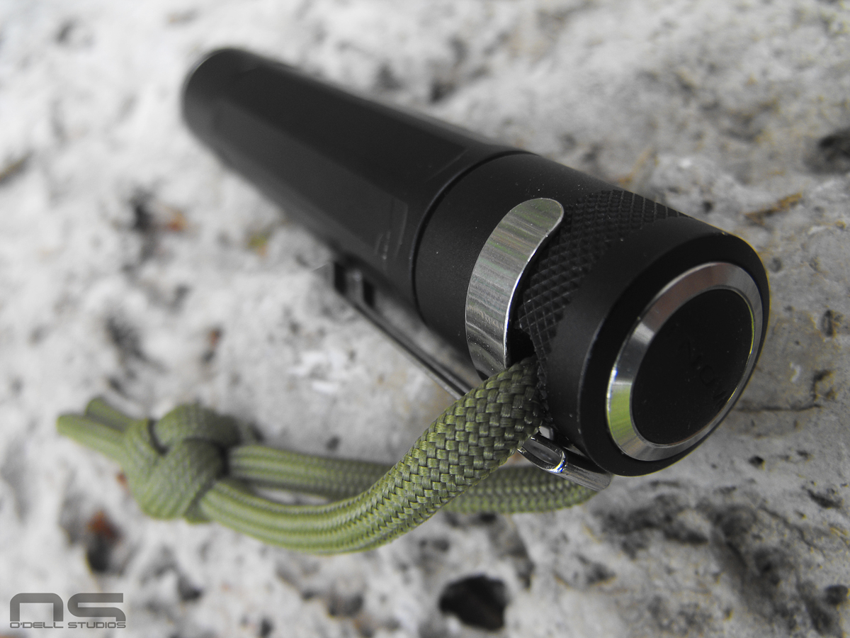 Inova X1 pocket clip paracord lanyard flashlight