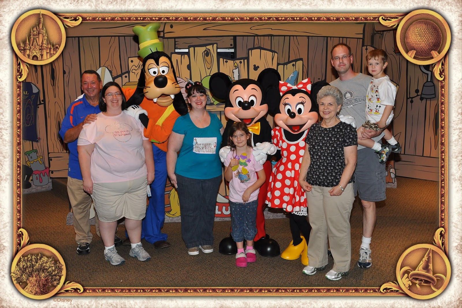 Joanna and her amazing technicolor interwebs thanksgiving at our entire family could get in this shot thanks to photopass photographers this was november 2010 in the disney visa character spot in innoventions in kristyandbryce Choice Image