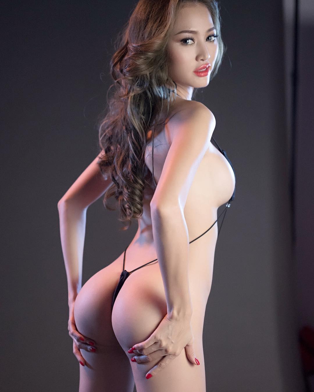 Foto Hot Bugil Tiffany Model Pria Dewasa