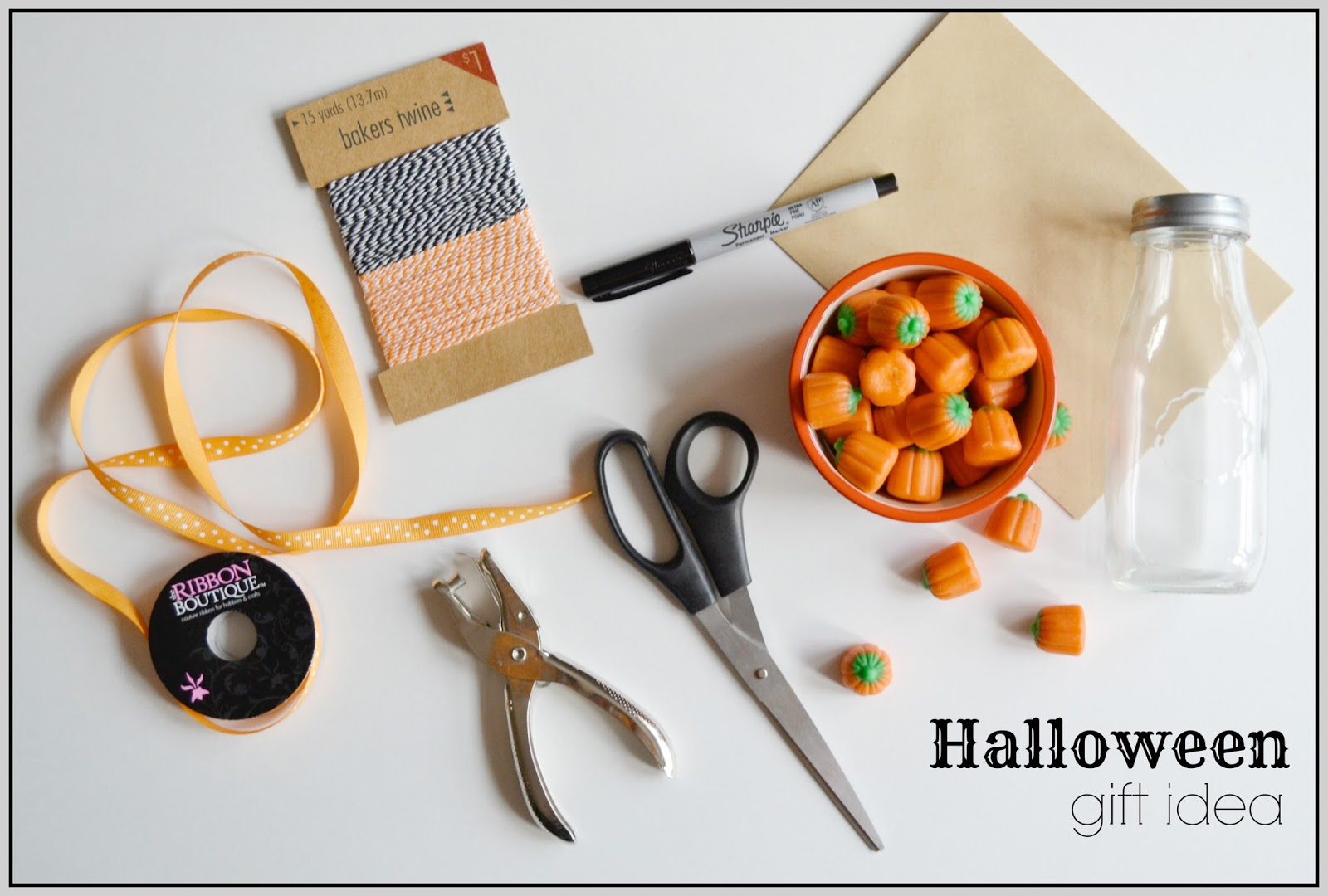 halloween craft, glass milk bottle, pumpkin candy, baker's twine