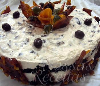 receita de torta gelada com damascos e tâmaras