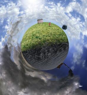 Medio mundo despejado, medio mundo nublado