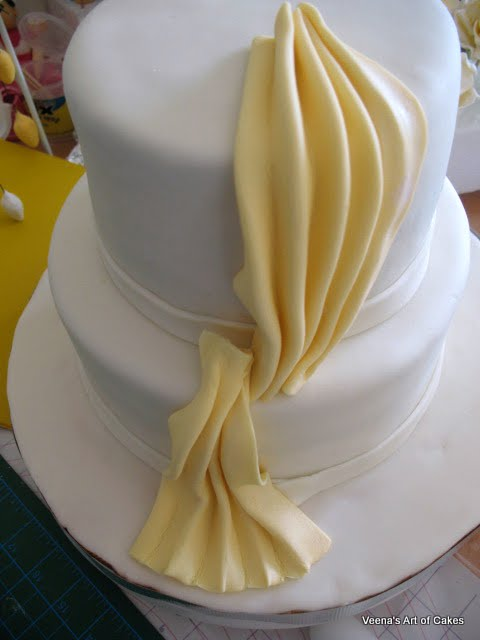 Veena Art Of Cake Fondant Recipe : Veena s Art of Cakes: How to make gumpaste Drapes and A ...