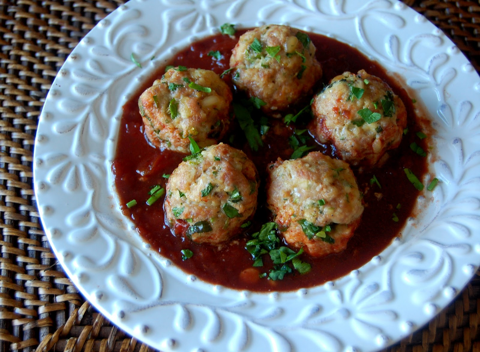 Blogging Foods: Turkey Meatballs with Tomato-Wine Sauce