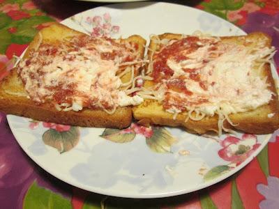 tartine, fromage, basilic, ricotta, sauce, tartelette, pain, morceaux, pain perdu, apéritif,