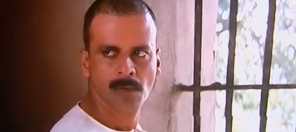 Screen Shot Of Hindi Movie Gangs of Wasseypur 2012 300MB Short Size Download And Watch Online Free at world4nocost.in