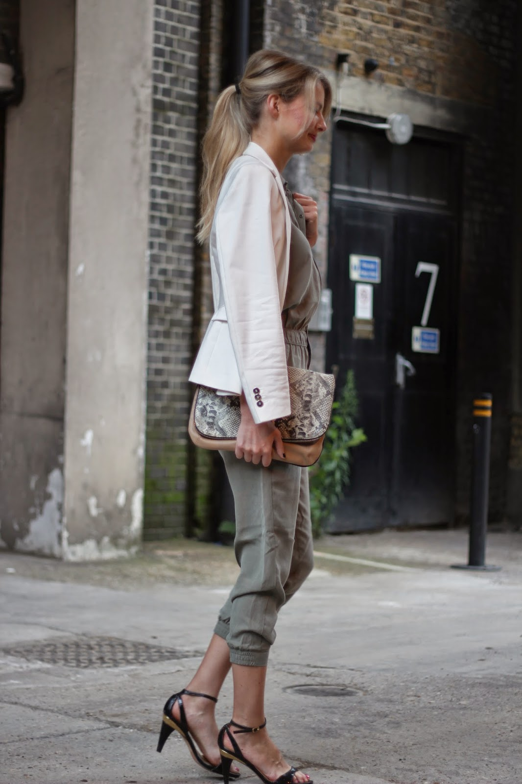 jumpsuit, boiler suit, street style, street style london, fashion blogger, white blazer, black sandals, snake print clutch, oversize clutch, zara jumpsuit