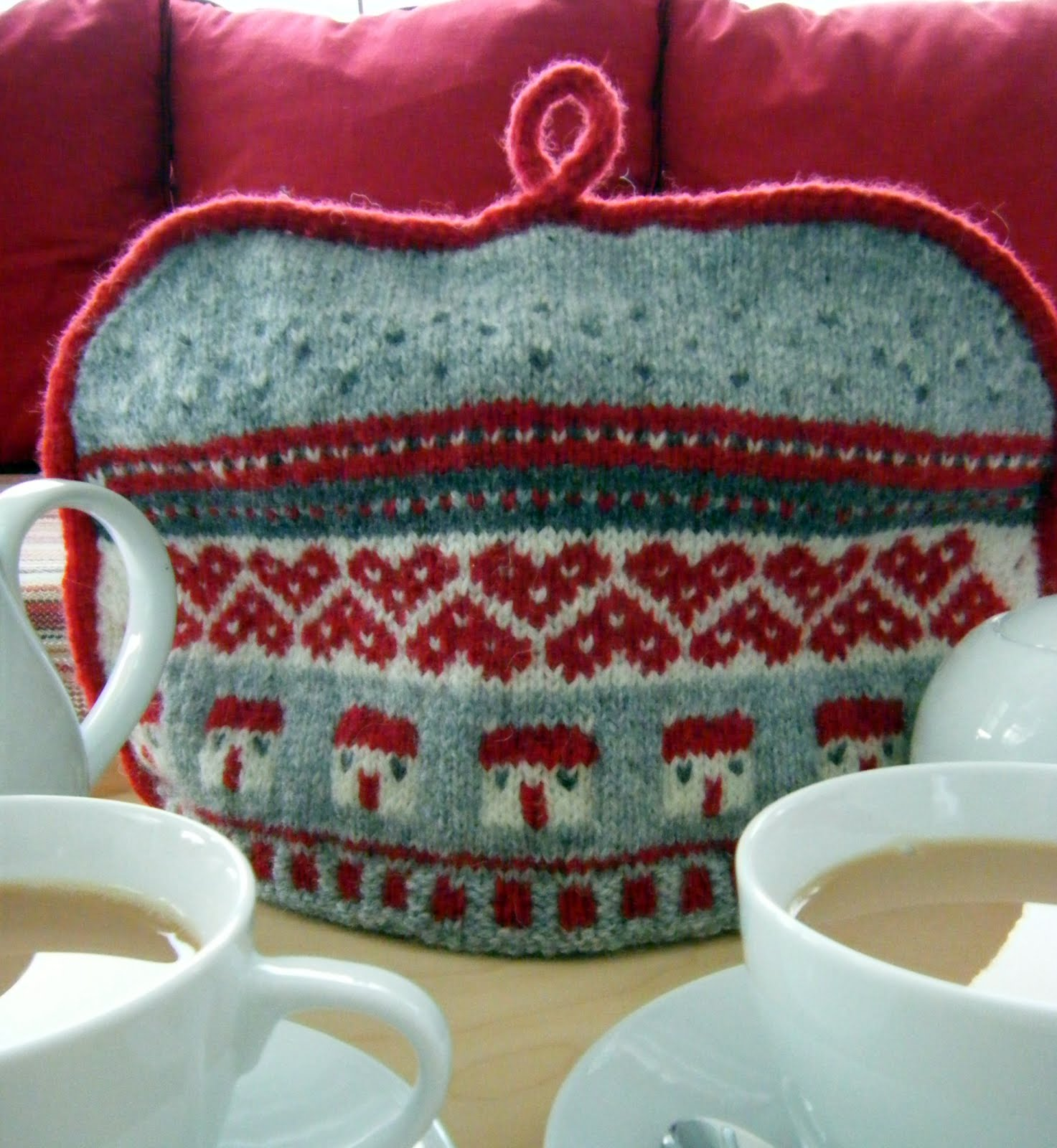 Fair Isle Knit Tea Cozy by Julia at Hand Knitted Things Blog