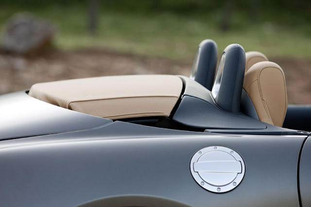 2012 Mercedes Benz SLS AMG Roadster interior view