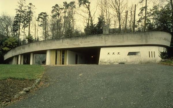 Locquénolé - Maison Kerautem / Manoir de Lesenor  Architecte: Roger Le Flanchec  Construction: 1965 à 1966