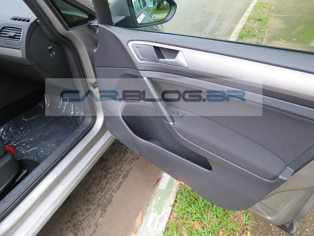 VW Golf 1.6 MSI Flex Automático - painel de porta