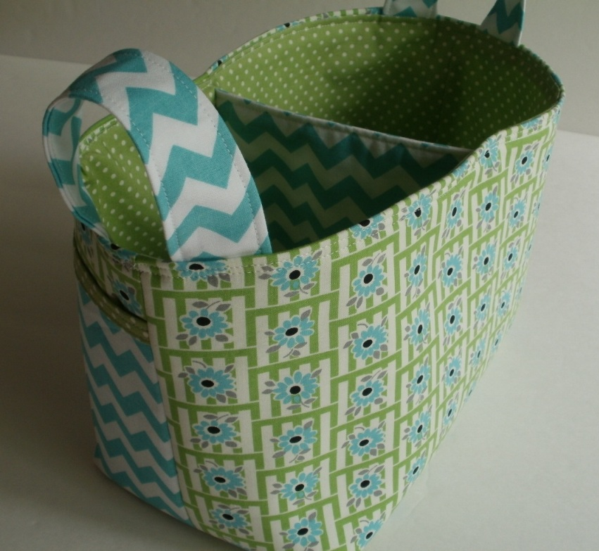 Picnic Basket Relay : Amy made that by eamylove celebrate a new mug rug