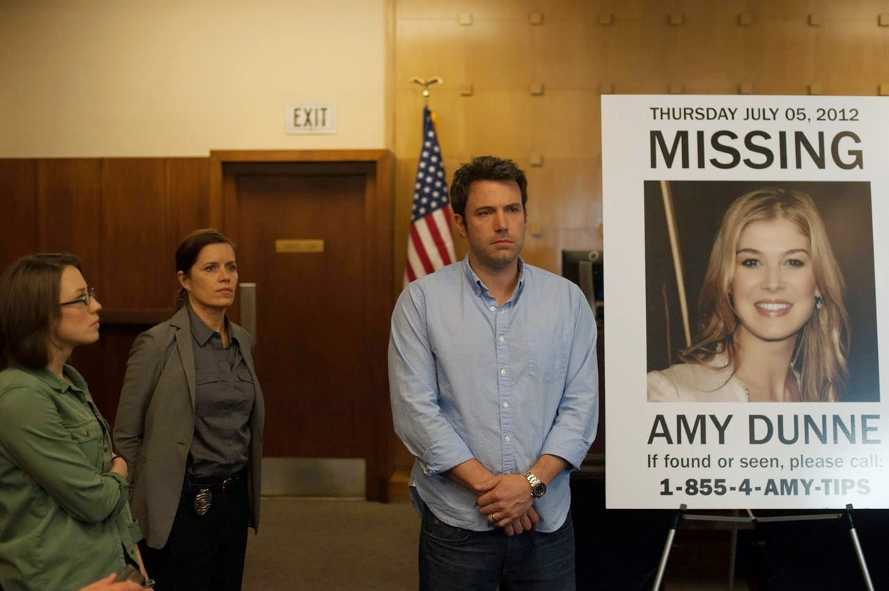 gone girl-carrie coon-kim dickens-ben affleck