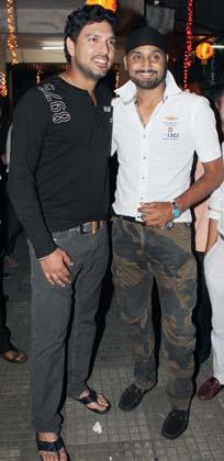 Indian Cricketers at  'Son of Sardaar' (SOS) Special screening