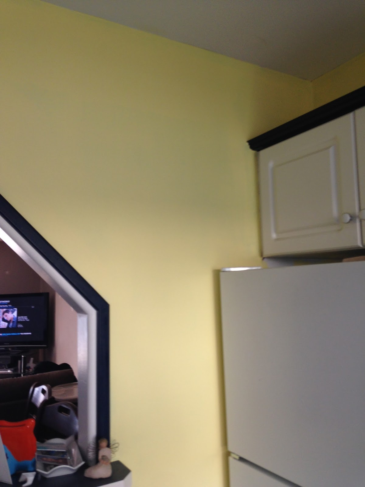 The Barrows Family Adventures: The ugly red walls in the kitchen are ...