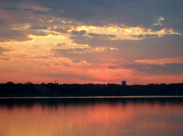 The setting sun at White Rock Lake, Dallas, Texas
