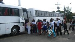 Dois dos quatro ônibus da Paróquia de São Miguel de Cotegipe.